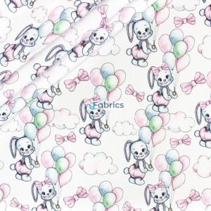 Pastelowe króliczki z balonami na białym tle