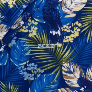 Papugi i liście palmowe na granatowym tle