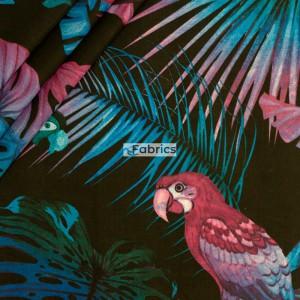 Intensywnie różowo-niebieskie papugi na czarnym tle