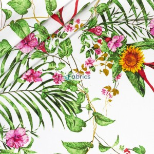 Kwiaty i słoneczniki z liśćmi na białym tle